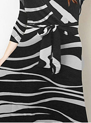 V-Neck  Lace-Up  Animal Printed Plus Size Midi & Maxi Dress