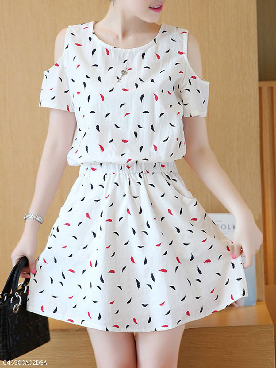 Round Neck  Elastic Waist Slit Pocket  Printed Skater Dress