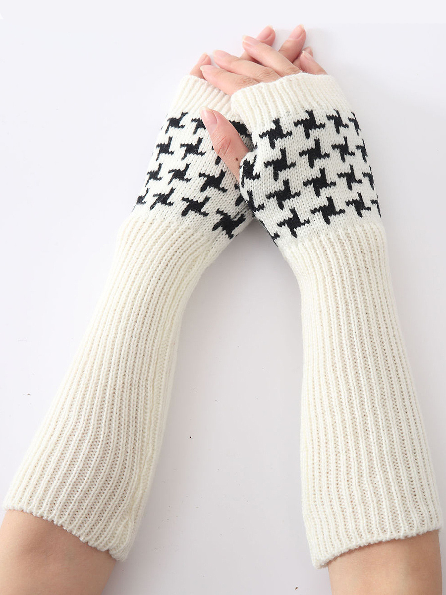 Geometric Star Knit Fingerless Gloves