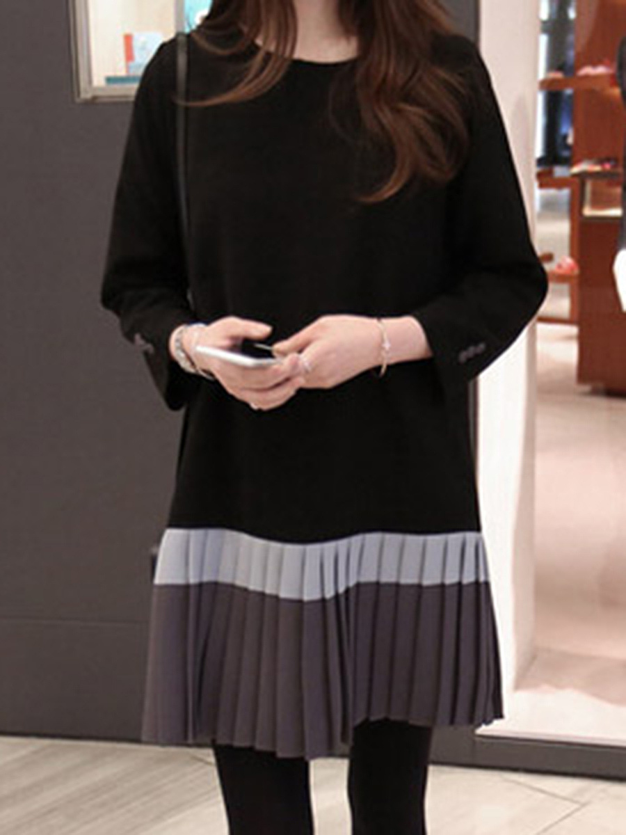 Round Neck Color Block Pleated Shift Dress