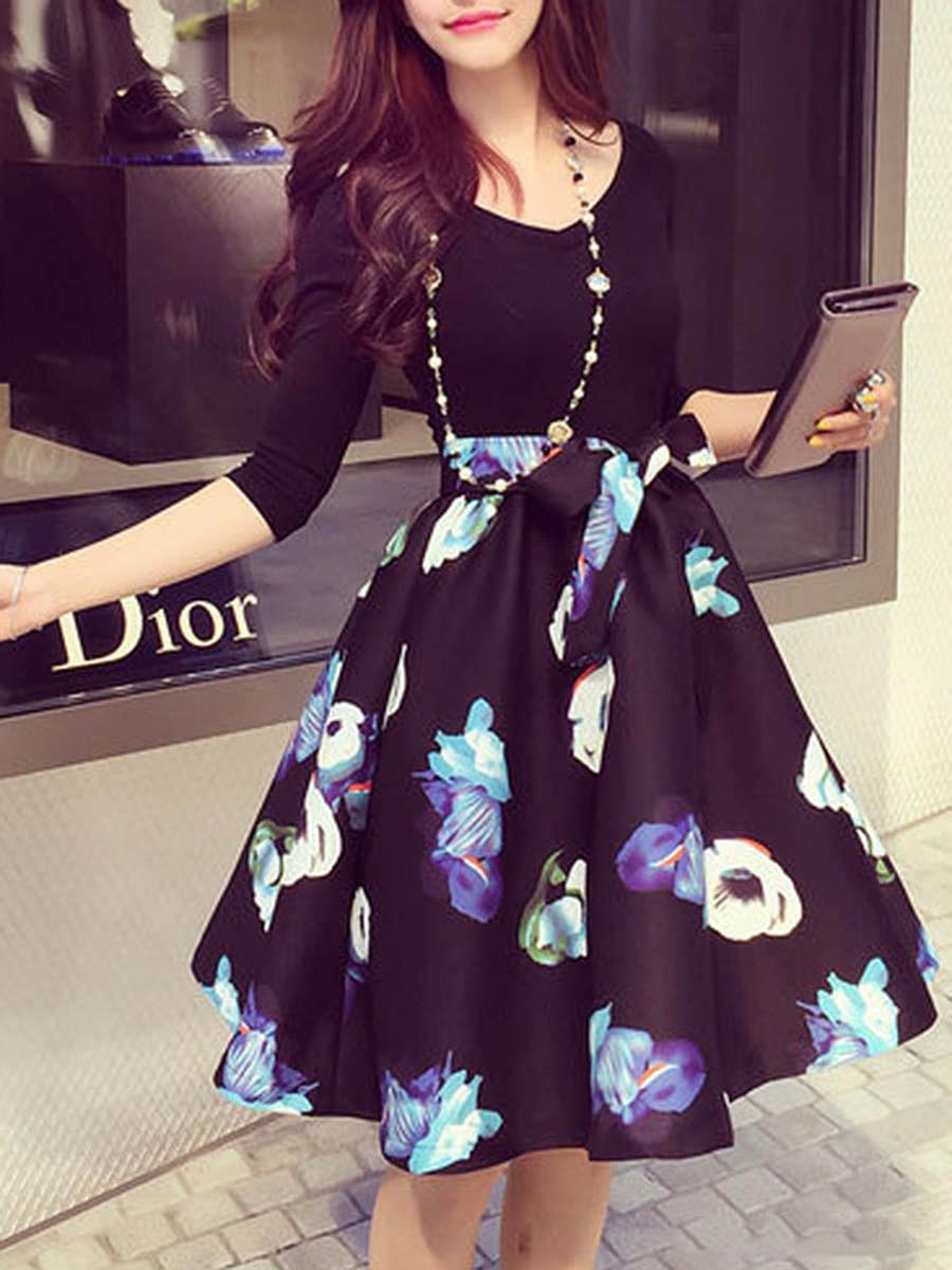 V-Neck Bowknot Floral Printed Skater Dress