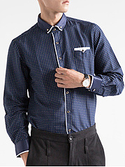 Office-Button-Down-Collar-Patch-Pocket-Printed-Men-Shirts