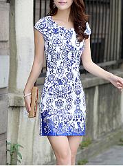 Blue-And-White-Porcelain-Printed-Scallop-Mini-Bodycon-Dress
