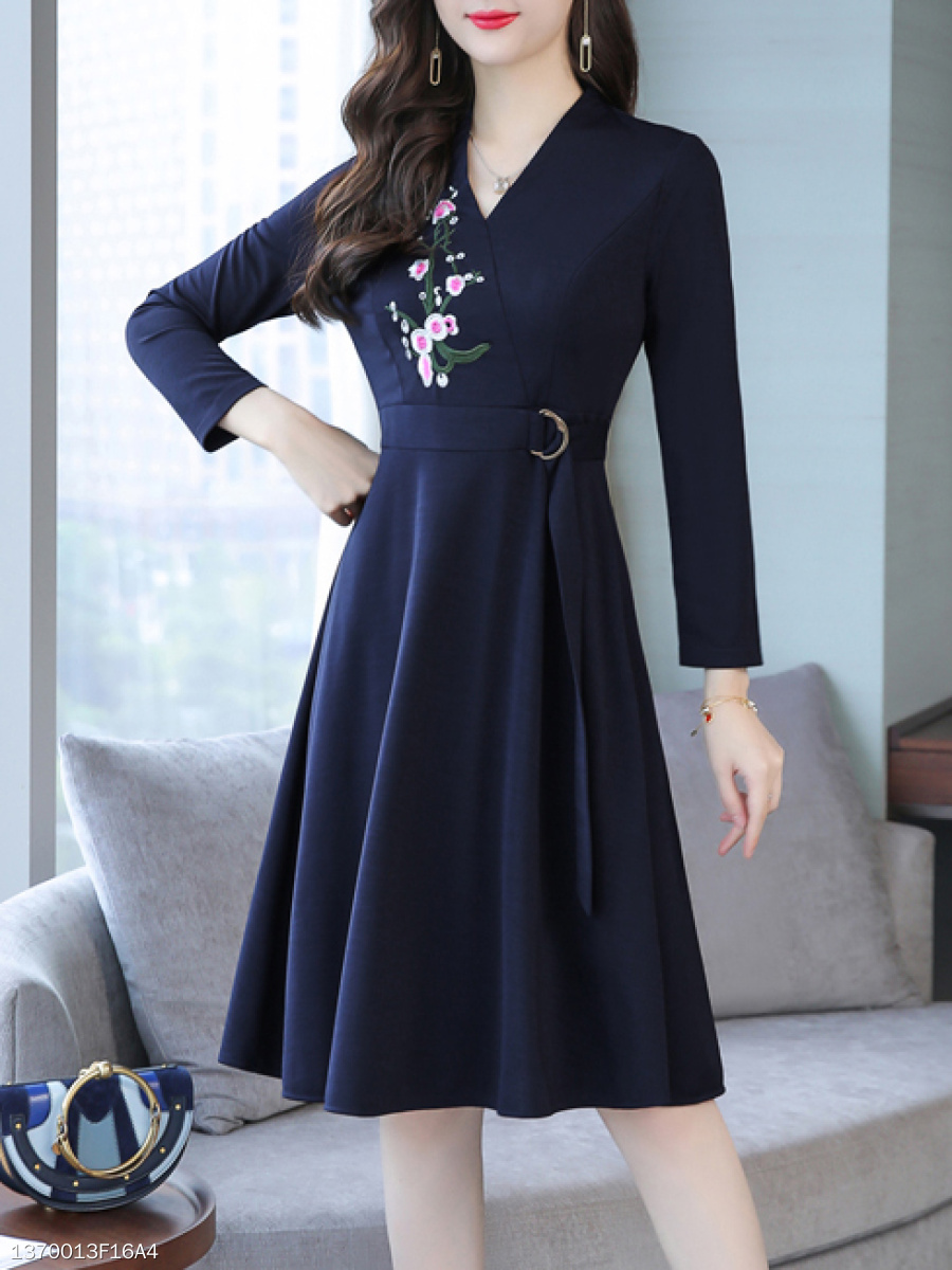 V-Neck  Decorative Hardware  Embroidery Plain Skater Dress
