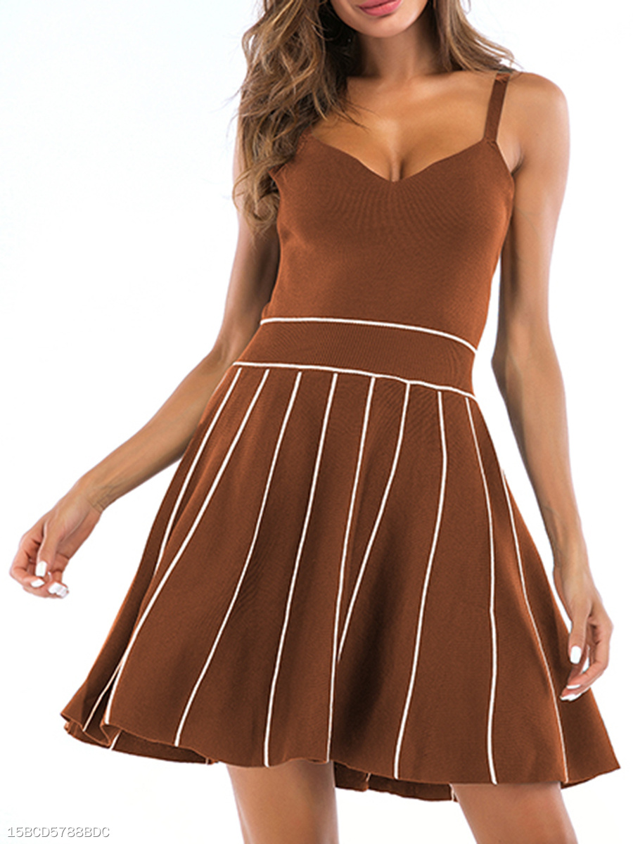 V-Neck  Patchwork  Contrast Piping  Striped Skater Dress