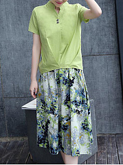 Split Neck T-Shirt And Printed Pocket Flared Midi Skirt