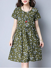 Delicate-Round-Neck-Tiny-Floral-Printed-Shift-Dress