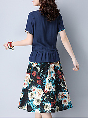 Round Neck T-Shirt And Floral Printed Pocket Flared Midi Skirt