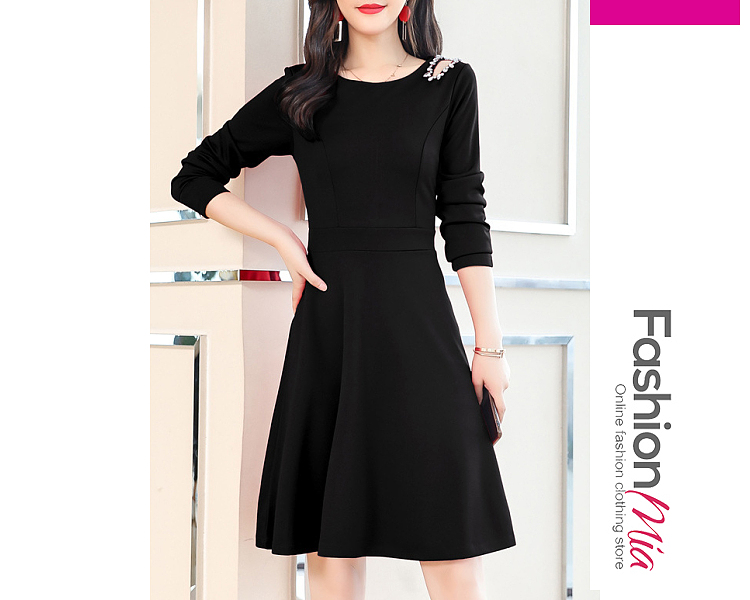 style:elegant,fashion, collar&neckline:round neck, embellishment:diamante, pattern_type:plain, length:knee-length, how_to_wash:cold  hand wash, supplementary_matters:all dimensions are measured manually with a deviation of 2 to 4cm., occasion:date, dress_silhouette:flared, package_included:dress*1, lengthbust