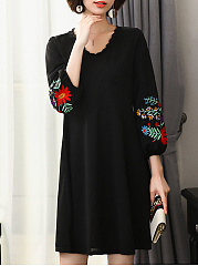 Round Neck  Decorative Lace  Embroidery Shift Dress