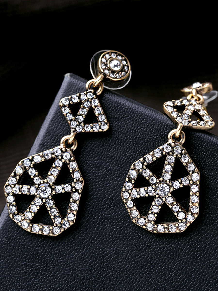 Shining Star Cut Out Allory Earring