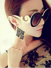 Hollow Out Vintage Earring