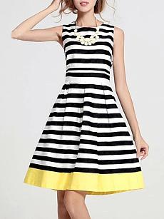 59365aa6234a6 Fashionmia black and white striped dresses - Fashionmia.com