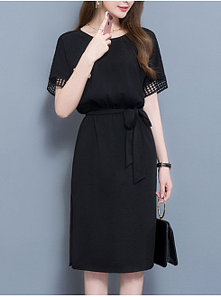 Round Neck  Belt  Hollow Out Plain Shift Dress