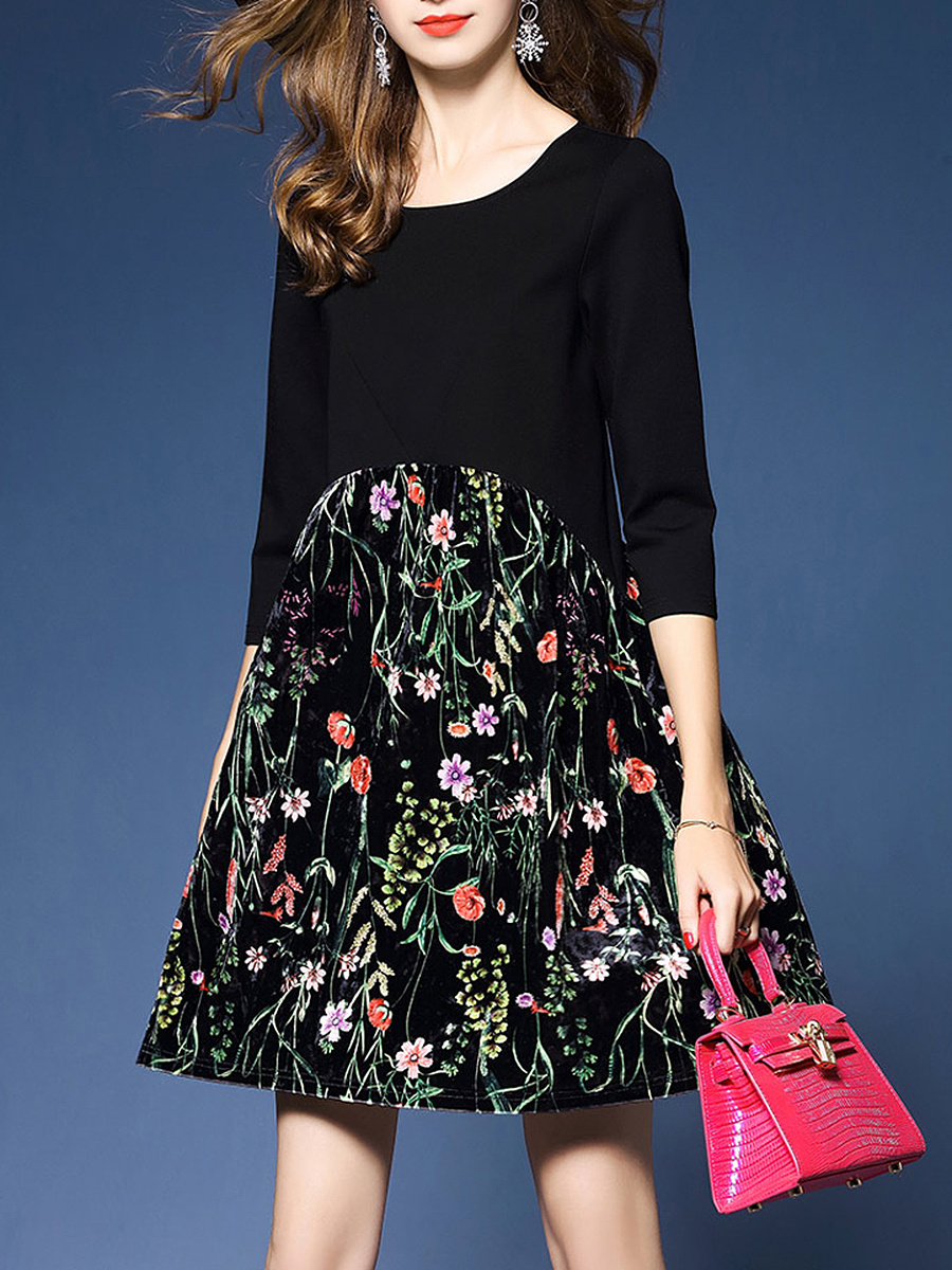 Fancy Floral Printed Round Neck Shift Dress