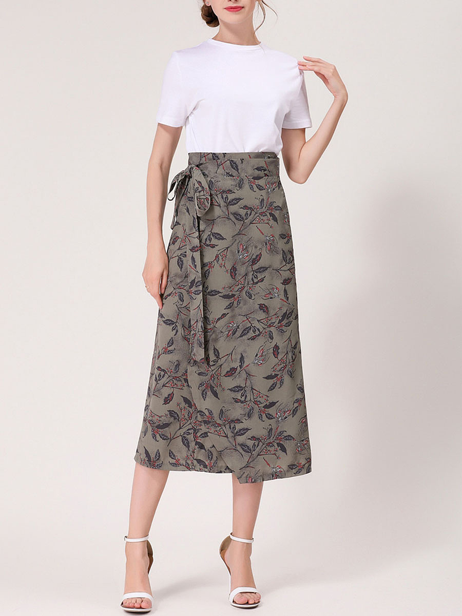 Fascinating Bowknot Printed Flared Maxi Skirt