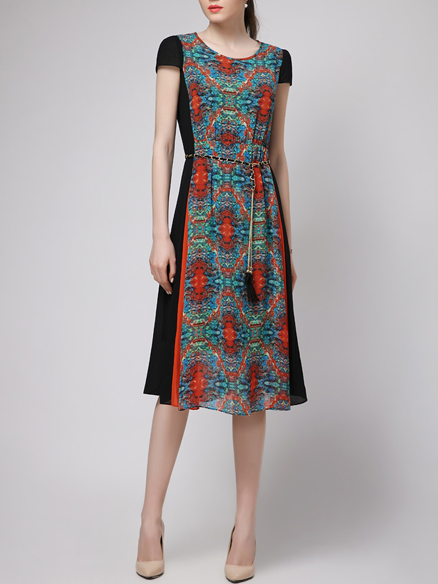 Round Neck Printed Chain Belt Maxi Dress
