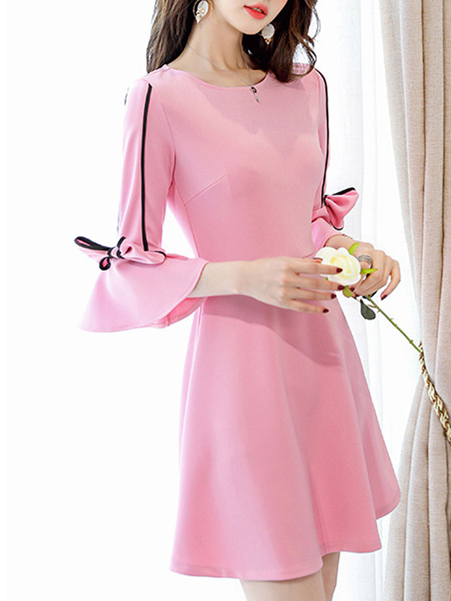 Round Neck Bowknot Contrast Trim Bell Sleeve Skater Dress