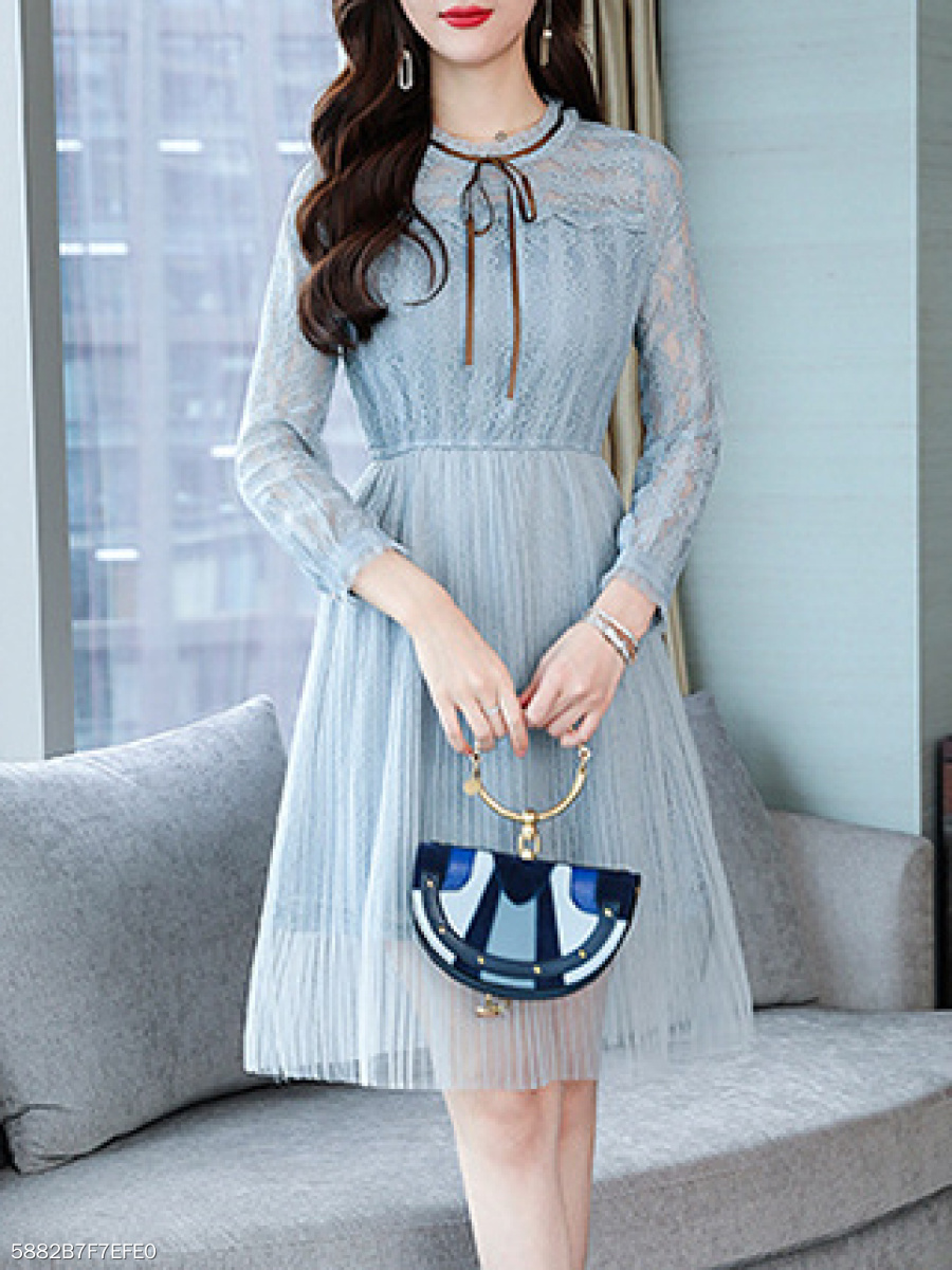 Round Neck  Bowknot  Lace Skater Dress