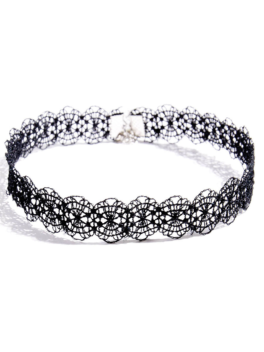 Hollow Out Chic Lace Choker