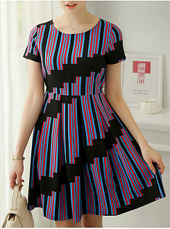 Crew Neck  Ruffled Hem  Belt Contrast Piping  Asymmetric Stripe Color Block Skater Dress