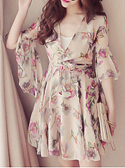 V-Neck  Belt  Floral Printed Skater Dress