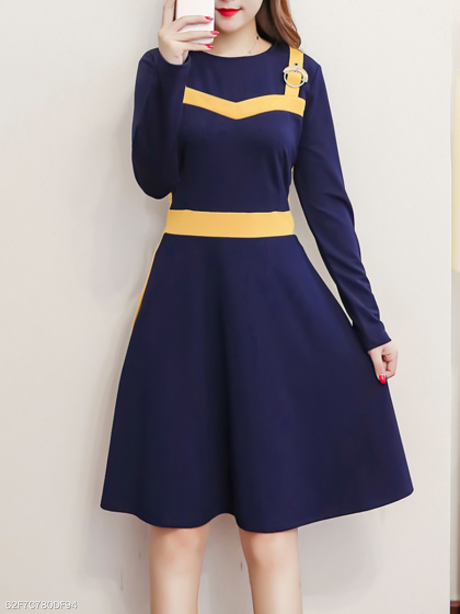 Round Neck  Decorative Hardware  Color Block Colouring Skater Dress