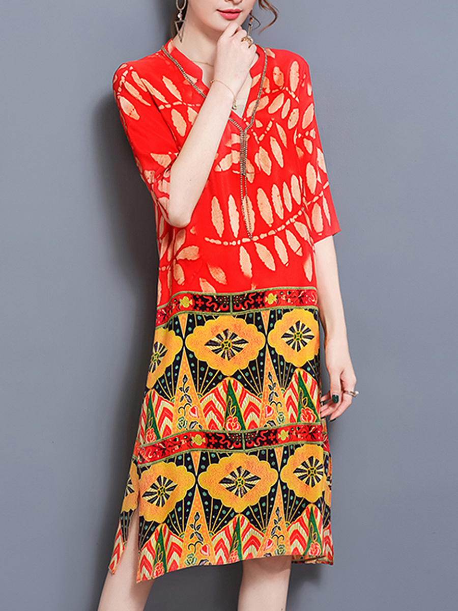 V-Neck Chain Printed Chiffon Shift Dress