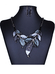 A Suit Of Leaf Necklace And Earring