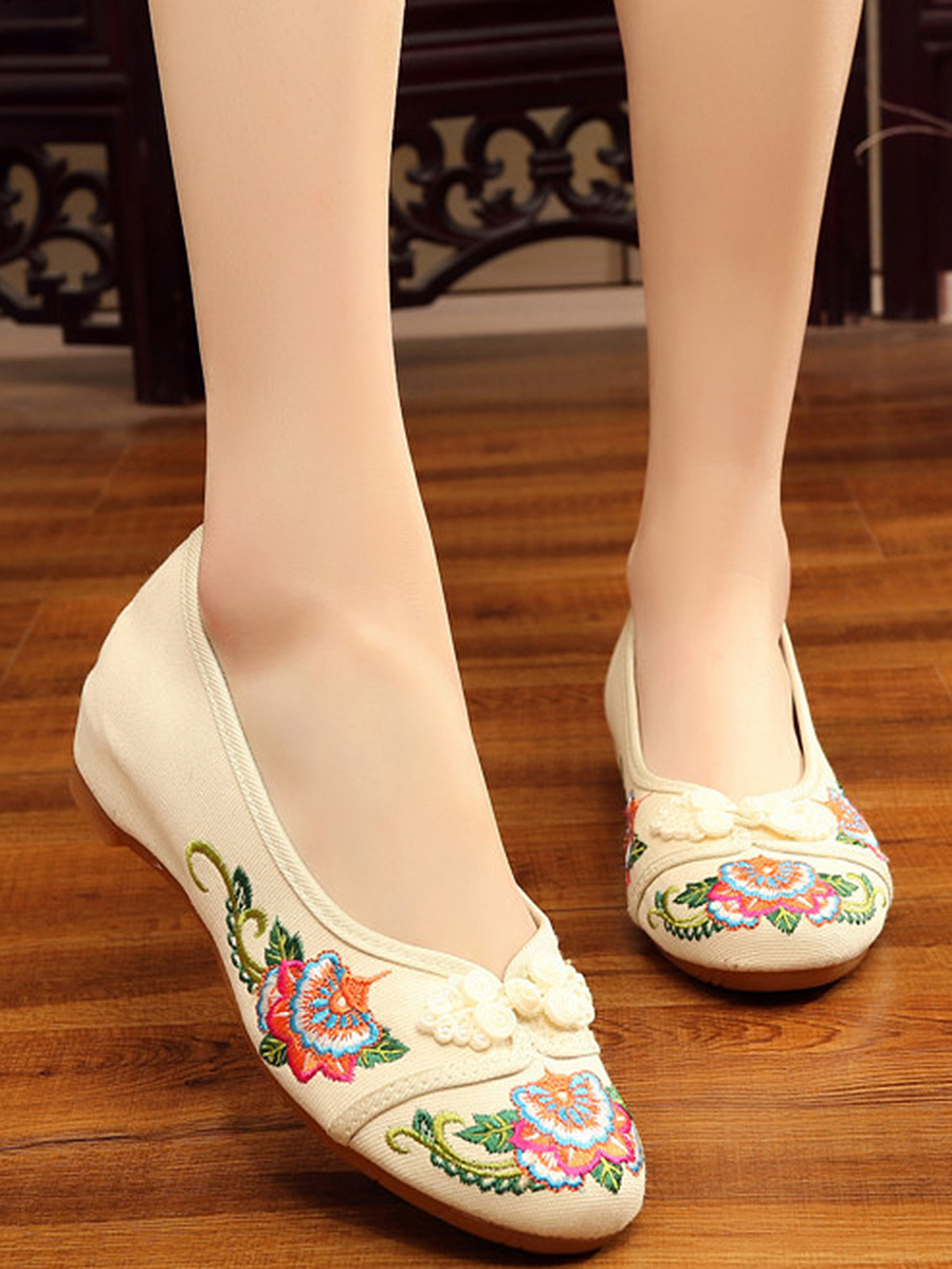 Embroidery Hidden Heel Pumps
