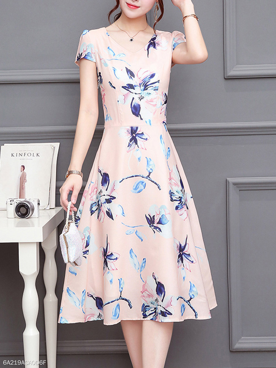 878832aad6 V-Neck Short Sleeve Floral Printed Skater Dress - fashionMia.com