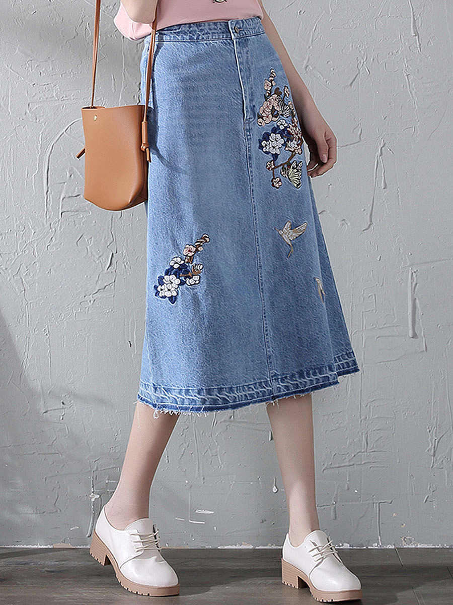 Embroidery Raw-Hem Pocket A-Line Denim Midi Skirt