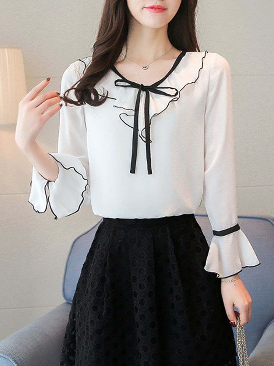 V-Neck Bowknot Contrast Trim Bell Sleeve T-Shirt