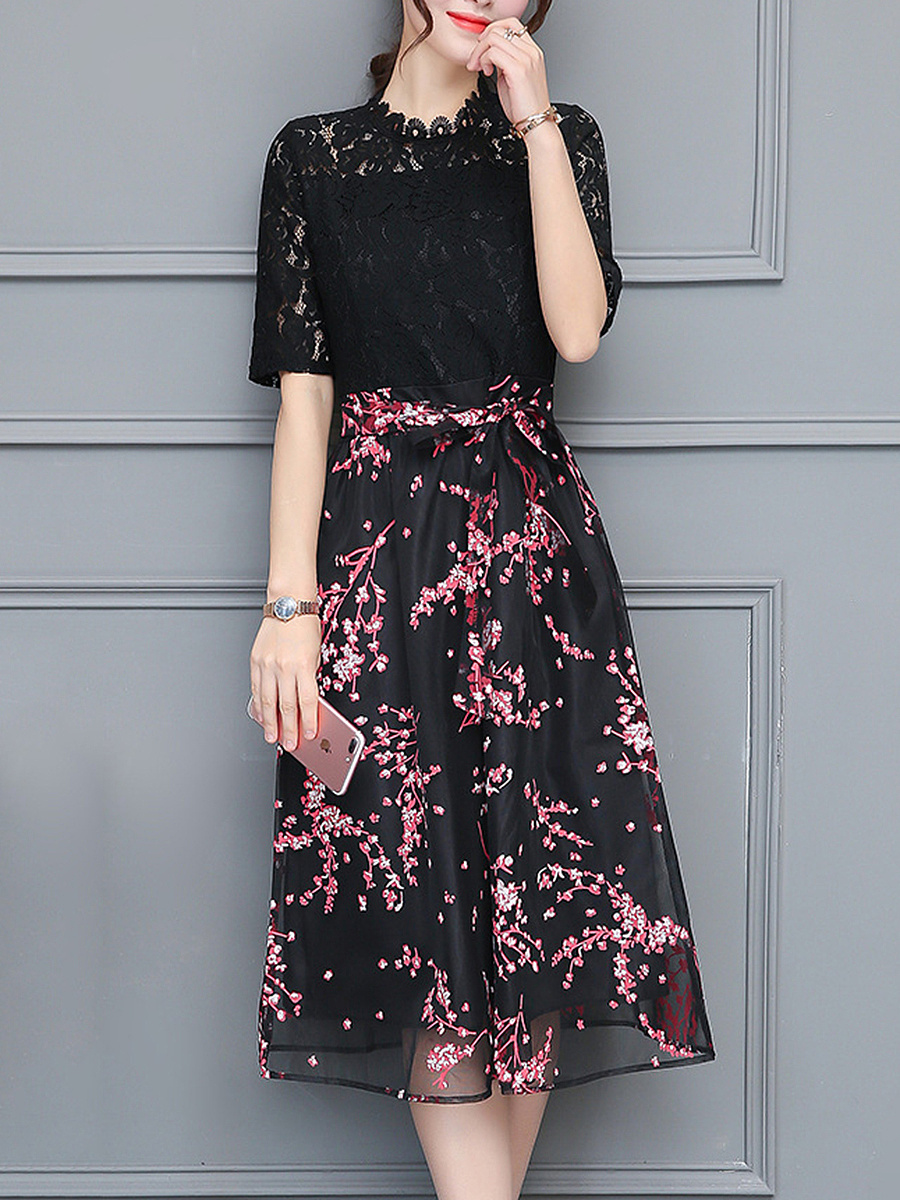 High Neck  Decorative Lace  Belt  Printed  Lace Maxi Dress