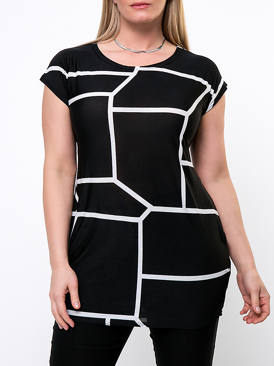 Round Neck  Geometric Plus Size T-Shirt