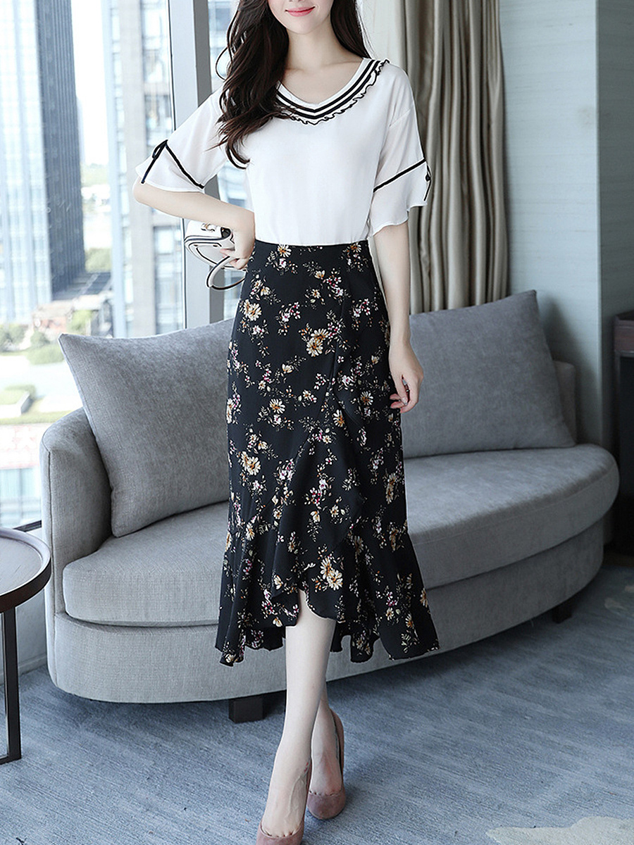 V-Neck Bell Sleeve Bouse And Floral Printed Mermaid Midi Skirt