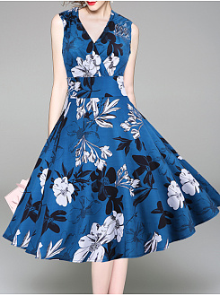 V-Neck  Floral Printed Skater Dress