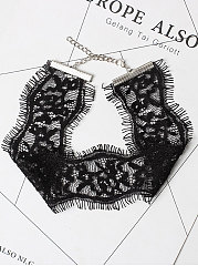 Lace Chic Chocker