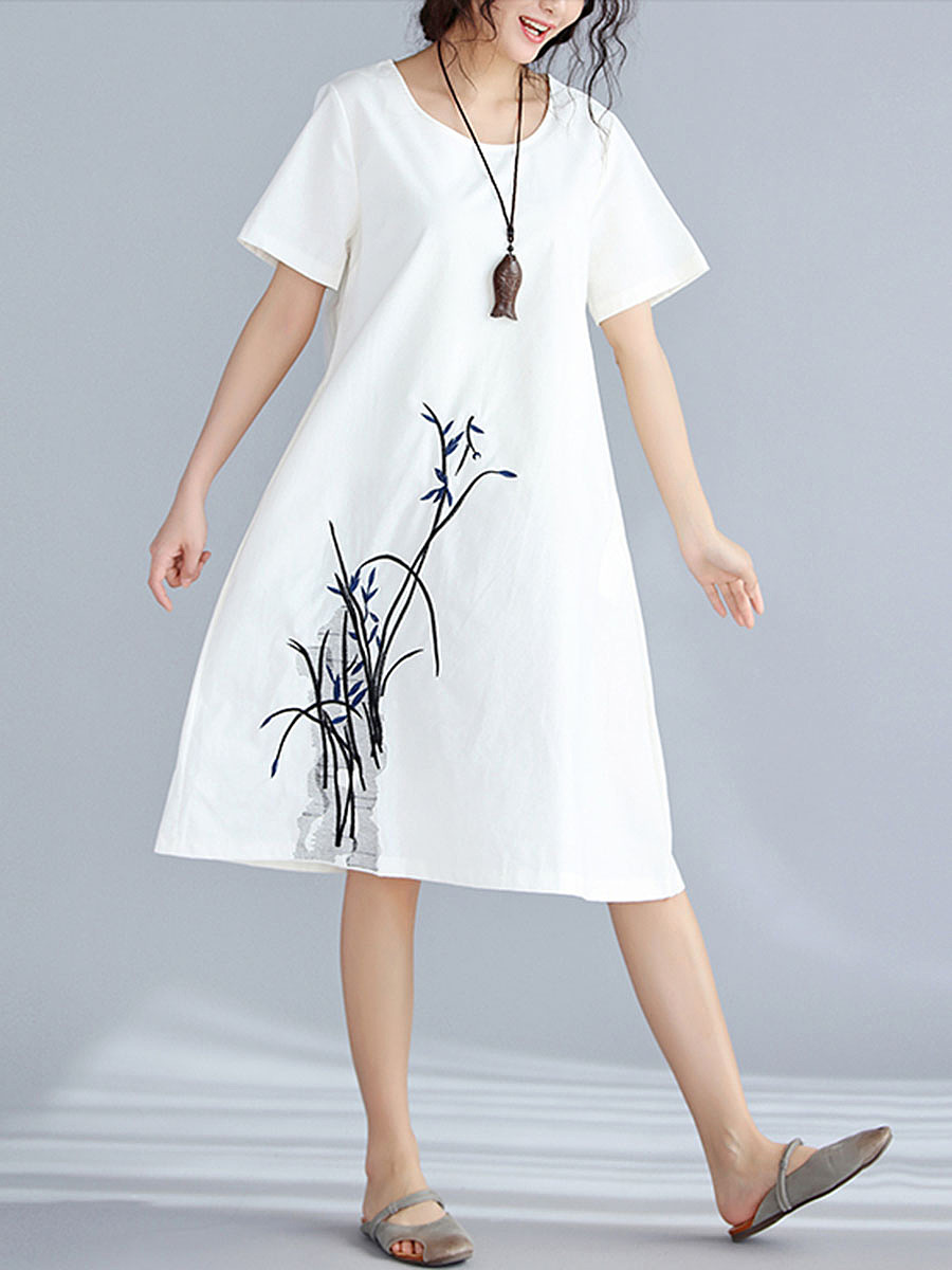 Round Neck  Pocket  Embroidery  Shift Dress
