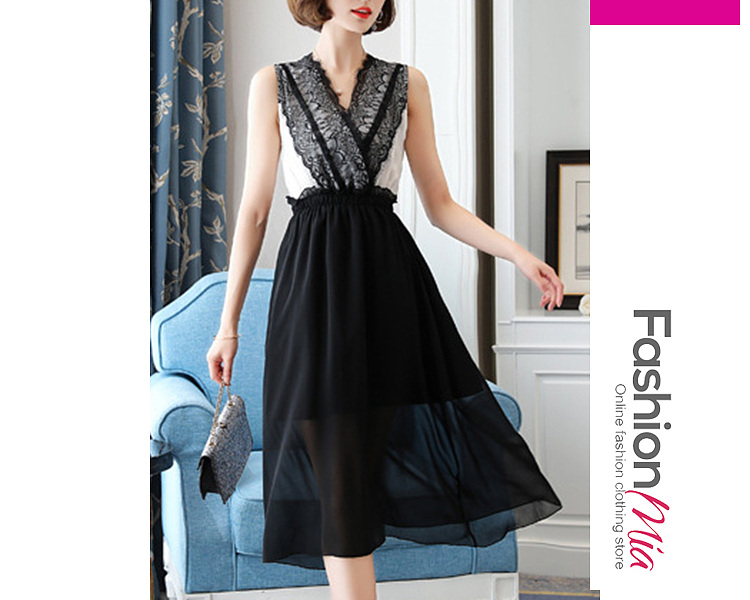 V-Neck  Decorative Lace  Color Block Maxi Dress