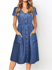 V-Neck  Patch Pocket  Decorative Button  Plain Skater Dress
