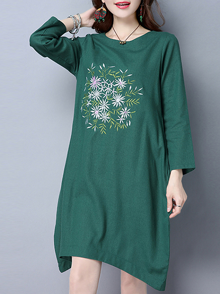 Embroidery Round Neck Pocket Shift Dress