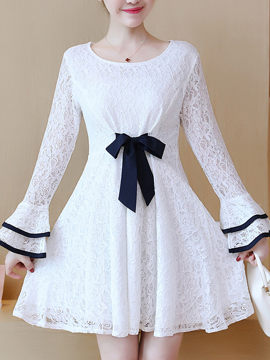 Bowknot Contrast Trim Bell Sleeve Lace Skater Dress