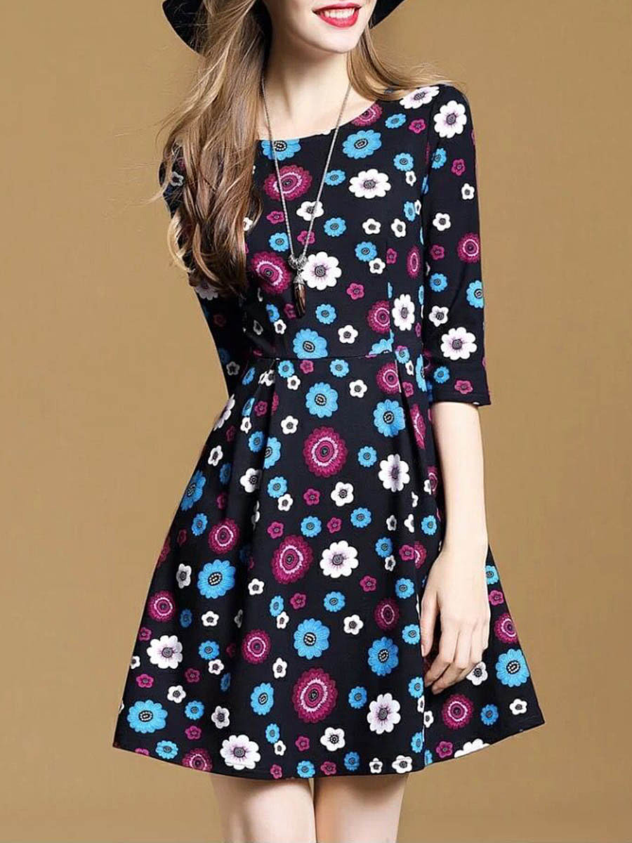Cute Floral Printed Round Neck Skater Dress