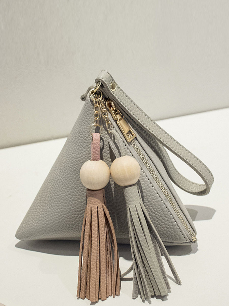 Triangular Pyramid Tassel Hand Bag