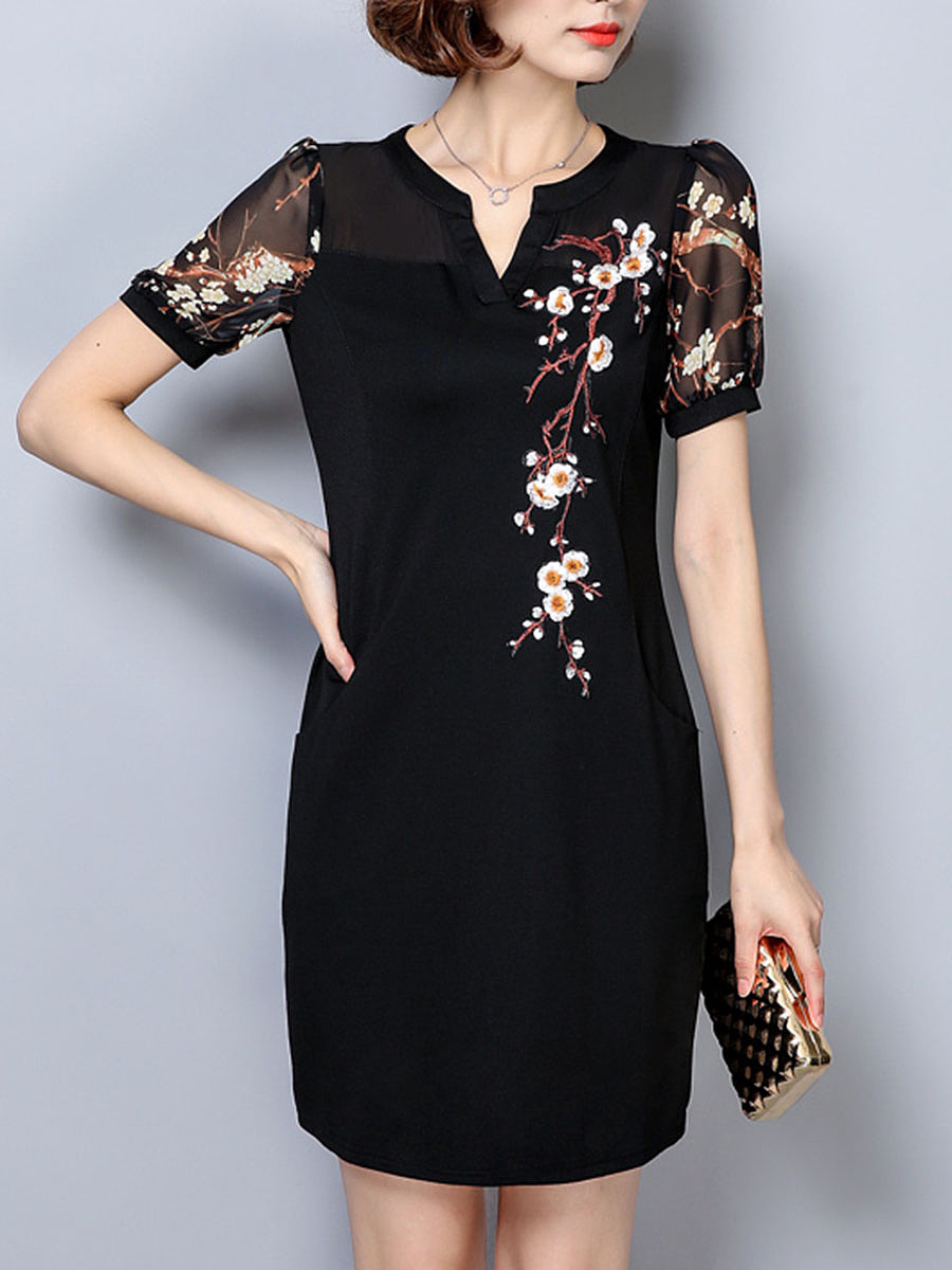 Split Neck Embroidery Pocket Bodycon Dress
