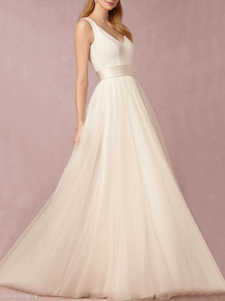 Exquisite Deep V-Neck Plain Evening Dress - fashionMia.com