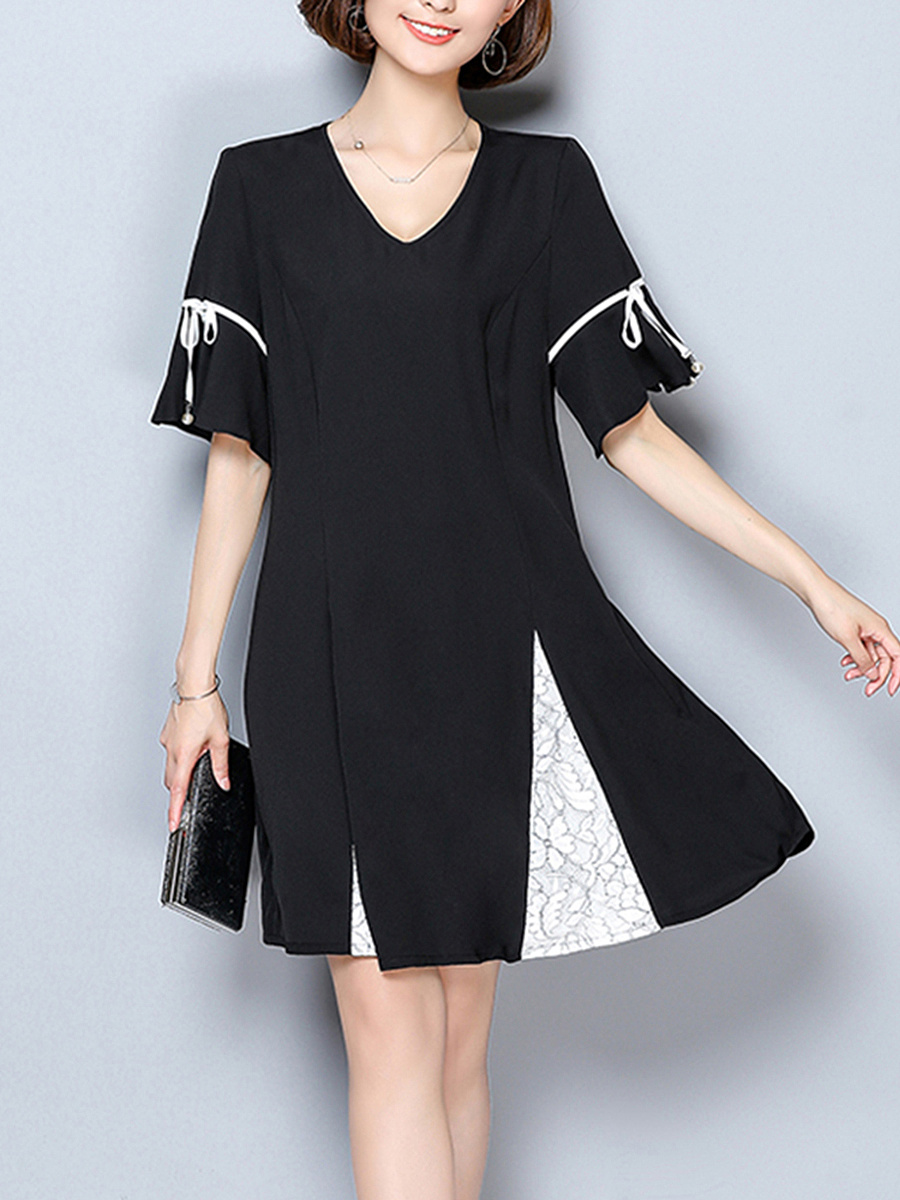 V-Neck  Printed Bell Sleeve Shift Dress