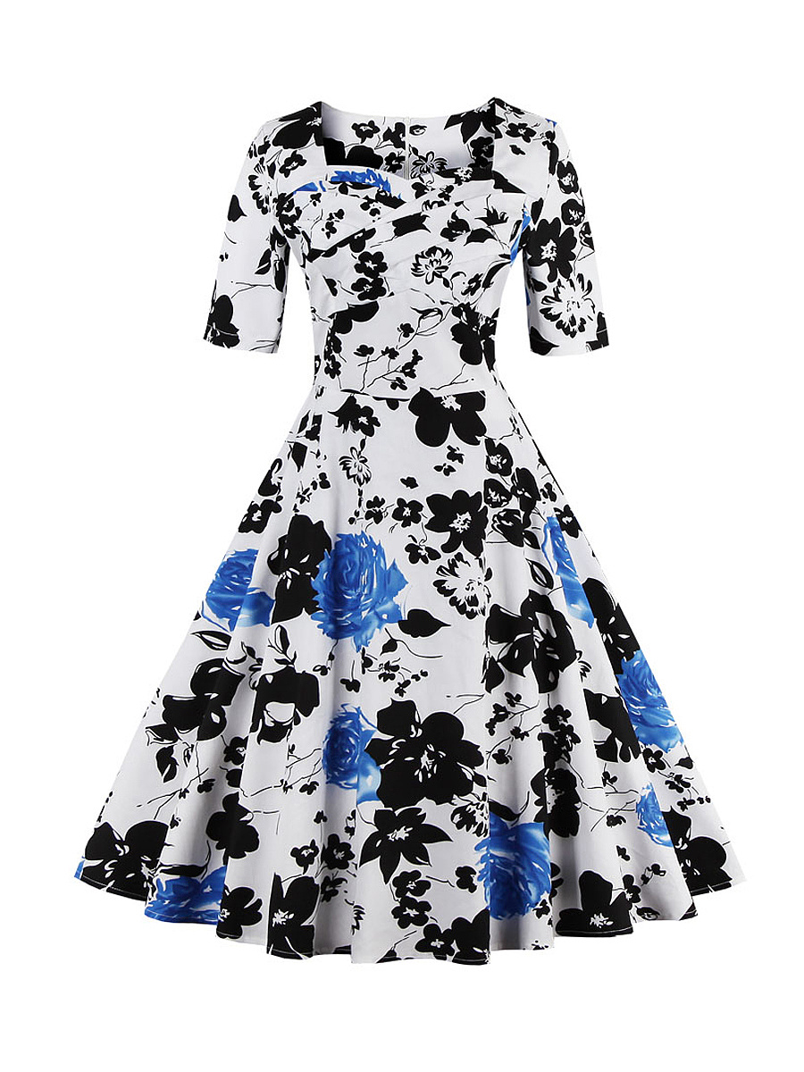 Vintage Sweet Heart Floral Printed Plus Size Flared Dress