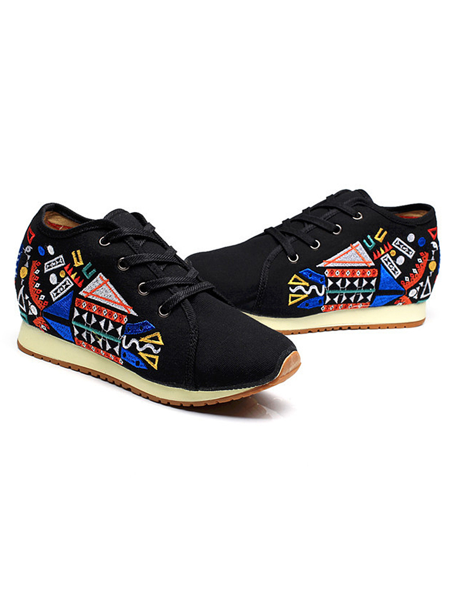 Geometric Embroidery Hidden Heel Sneakers